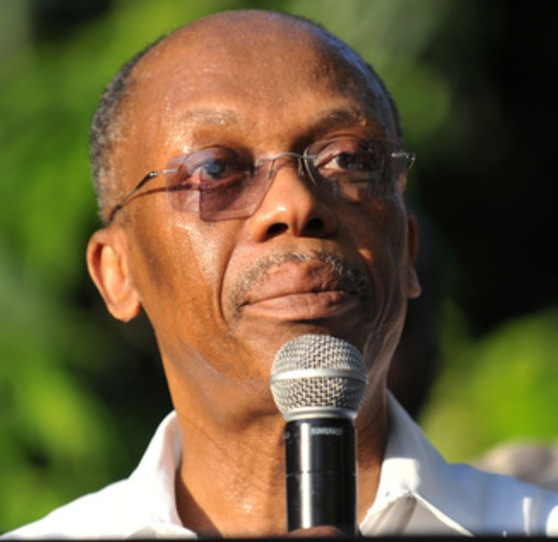 Jean-Bertrand Aristide fait l'objet d'un mandat de comparution au cabinet d'instruction