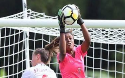 Foot : la grenadière Kerly Théus part pour le Chili